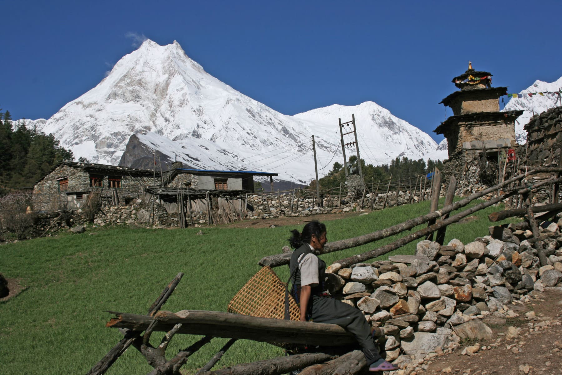 Nepal Trekking on the Manaslu Circuit. Enjoy the International Trip of a lifetime in Nepal.
