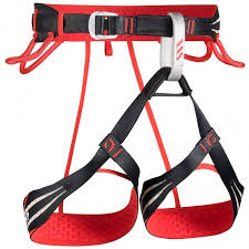 CAMP Flash Climbing Harness Gear Review by Ian Fowler. Alpine Harness, Climbing Harness, and Lightweight Harness.