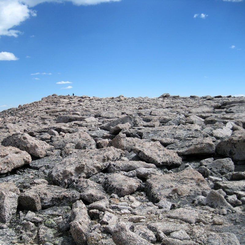 The boulder-strewn summit of Longs Peak.