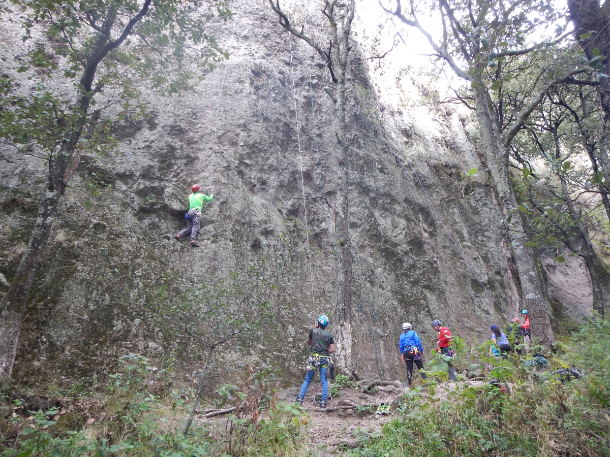 Jilotopec Climbing Guides